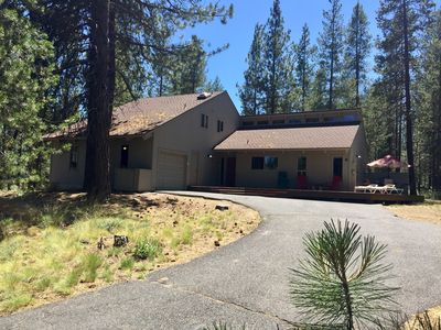 Photo for Spacious updated home w/ cabin charm! Fireplace, Ht Tub, Bikes, 10 SHARC Passes!