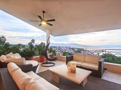 Photo for Spacious Ocean View Penthouse, Shared Pool, Beach Club, Housekeeping, Free Wifi