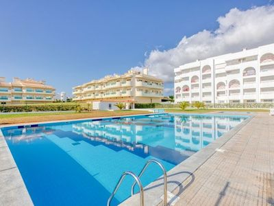 Photo for One bedroom Apartment, sleeps 4 with Pool, Air Con and WiFi