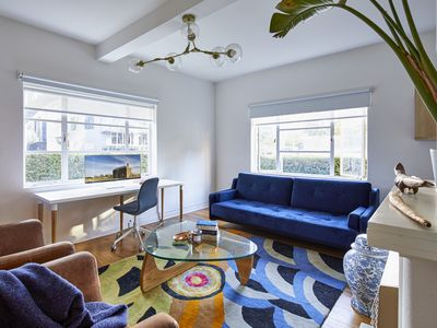 Photo for Stylish 1 Bedroom Apt 5 Minutes To Melbourne CBD