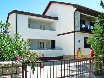 Photo for Apartments im Haus Roza, Novalja  in Pag - 5 persons, 2 bedrooms