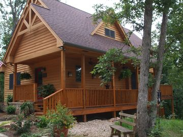 Tucked Inn is a cozy cabin located in Monteagle, Tennessee.