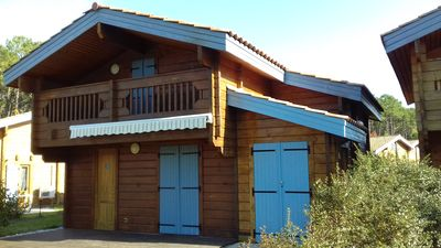 Photo for Air-conditioned chalet 4/6 5km beach Mimizan in the Landes forest