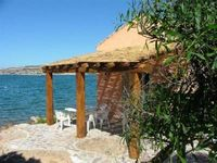 Beautiful house with direct access to the sea. Highly recommendable!