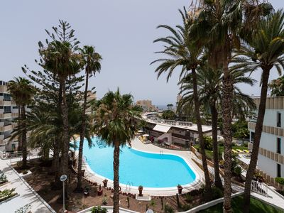 Photo for Charming apartment with pool and sea view
