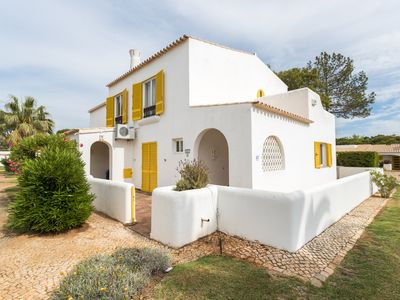 Photo for Vilamoura Family House with Terrace