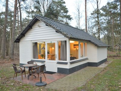 Photo for Completely detached bungalow in a nature-filled park by a large fen