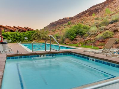 Photo for Bright condo nearby tons of outdoor activities! Community hot tub, pool, & more.