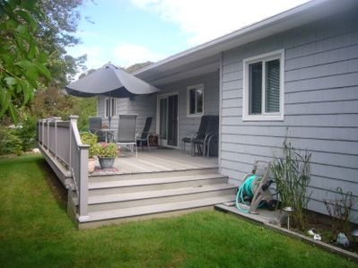 Side deck, outside furniture and BBQ