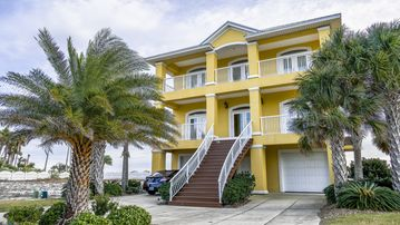 Upscale Home - Sydney's sandcastle on the Gulf Call for Late summer specials