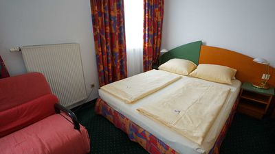 Photo for Double room with toilet and shower or bath - Highway-Hotel