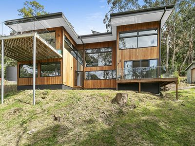 Photo for LORNE HIATUS - Amazing private home in a perfect location