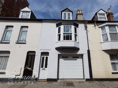 Photo for MIDSHIPS, pet friendly in Weymouth, Ref 994402