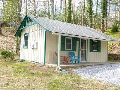 Photo for A peaceful retreat near hiking trails in Hickory Nut Gorge