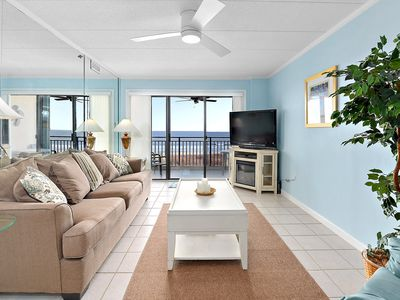 Photo for Incredible 2 Bedroom right on the beach with great midtown location!