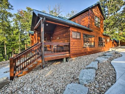 Photo for Lakefront Vibes-Gorgeous Cabin on Indian Point-A gentle walk to Table Rock Lake!