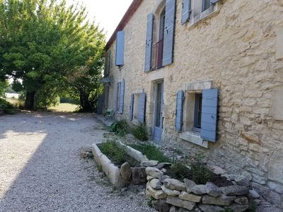 Photo for Beautiful Provencal farmhouse near Les Baux-de-Provence