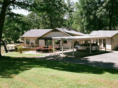 Photo for Cozy Lake House with Wonderful Deck and Outdoor Kitchen .