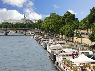 Photo for houseboat for 6,  in the gold triangle of paris, near place de la concorde