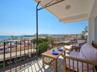 Photo for 4 bedroom Apartment, sleeps 7 with FREE WiFi and Walk to Beach & Shops