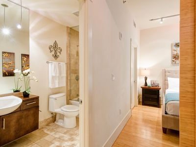 Photo for Attractive Common Street Apartment