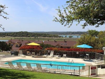Photo for Your Getaway $89nt Sun-Th Lakeviews, Pool, Popular Northside, No Stairs!