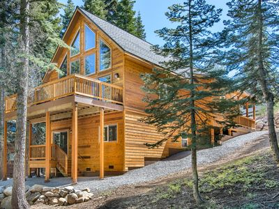 Photo for Donner Delight - Stylish Cabin w/ Deck, Near Downtown, Slopes & Rec Center