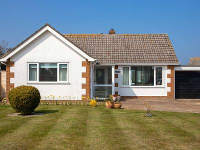Photo for Bembridge First Class Two Bedroom Bungalow Close To Amenities And Beach