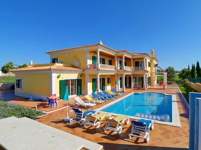 Photo for Villa Vale Rabelho is a spacious villa with comfortable furnishings and bright, summery decor, locat