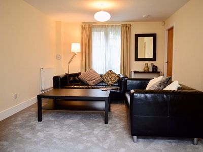 Photo for 2 Bedroom Home Close To City Centre