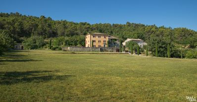 Photo for Bastide house in Luberon, visiting villages, markets, bike path.
