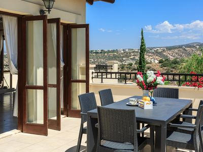Photo for Modern sunny apartment located in luxury Aphrodite Hills resort