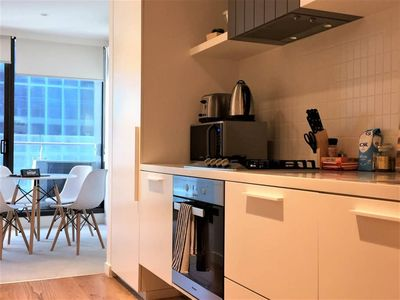 Photo for MANUAL LS E 1bdrm · Relocate to Melbourne! Close to everything!