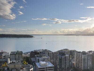 Photo for Space Needle Belltown 2Bd 1 Ba DY