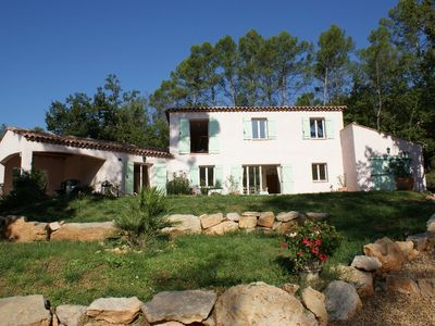 Photo for Villa with pool in the heart of the vineyards