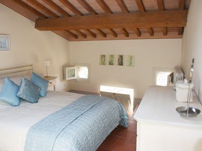 Photo for Stunning Tuscan apartment in 17th Century Palazzo with pool and amazing views