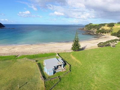 Photo for 3 Bedroom Kiwi beach house perfect for large group