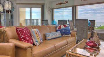 Tranquil Beachside Get-away just Minutes from Pier 60 and Clearwater Beach!