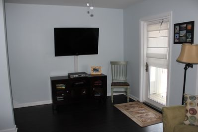 Living Room - 47' Flat Screen TV - Screened in Deck off LR area