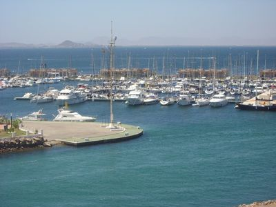 Photo for 2 bed, 2 bath - stunning views. Air - con. Unlimited FREE wifi in apartment.