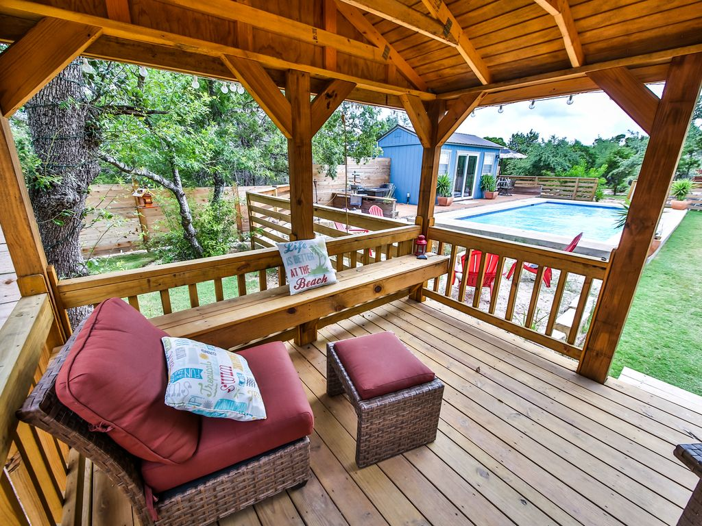 texas hill country cabin s with pool access bee cave
