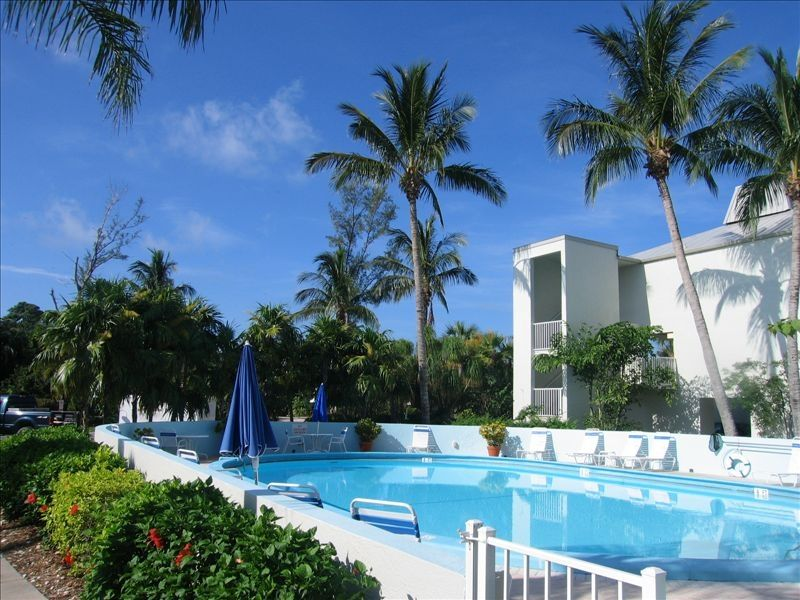 Luxurious ground floor condo 1 min to beach wi fi - Florida condo swimming pool rules ...