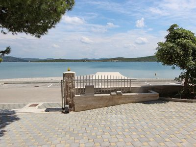 Photo for Beautiful apartment for four people near the sea - A / C Internet - P - free