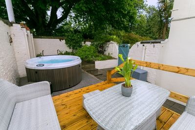 Private courtyard with Hot Tub