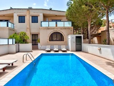 Photo for Il-Qortin ta' Ghajn Zejtuna Villa, Sleeps 8 with Pool and Air Con