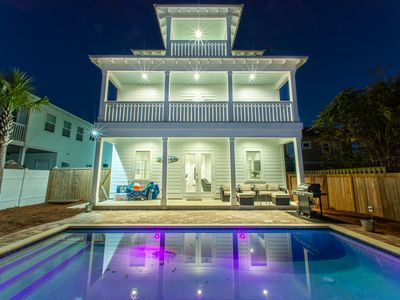 ☀Luxury 7BR Fins Up☀ Book 4 Christmas! 225yds to Beach-PRIV Pool-4 Bikes