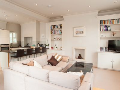 Photo for Stunning home sleeping 4, with a fabulous roof terrace, in Fulham (Veeve)