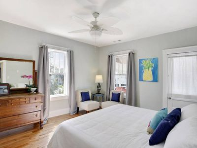 Delightful Ocean View! King Bed with Large Breezy Porch, Free Parking & Wifi