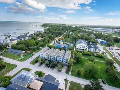 Photo for Spacious Kemah Boardwalk Vacation Home