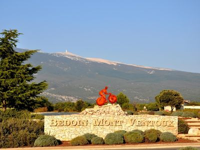 Photo for Independent villa at the foot of Mt Ventoux